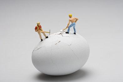 """QNX:如何在墙头草车企面前做一个成功的""""锄头"""""""