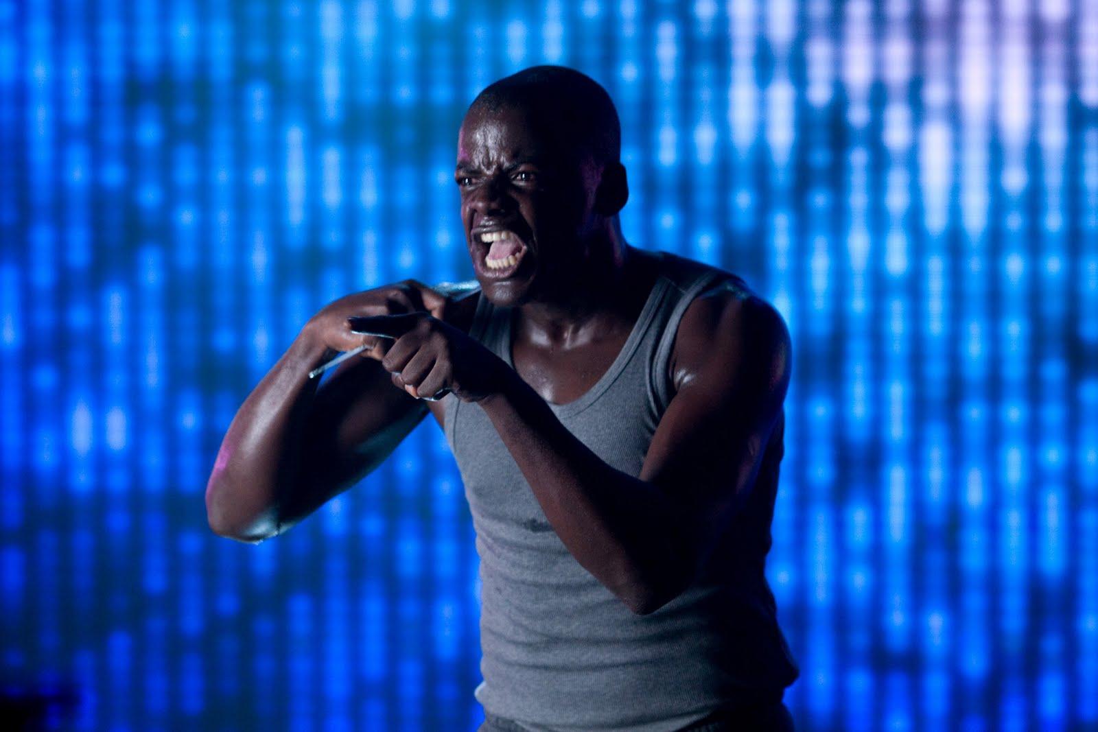 反抗被娱乐消解——图片来自《黑镜》第一季第二集