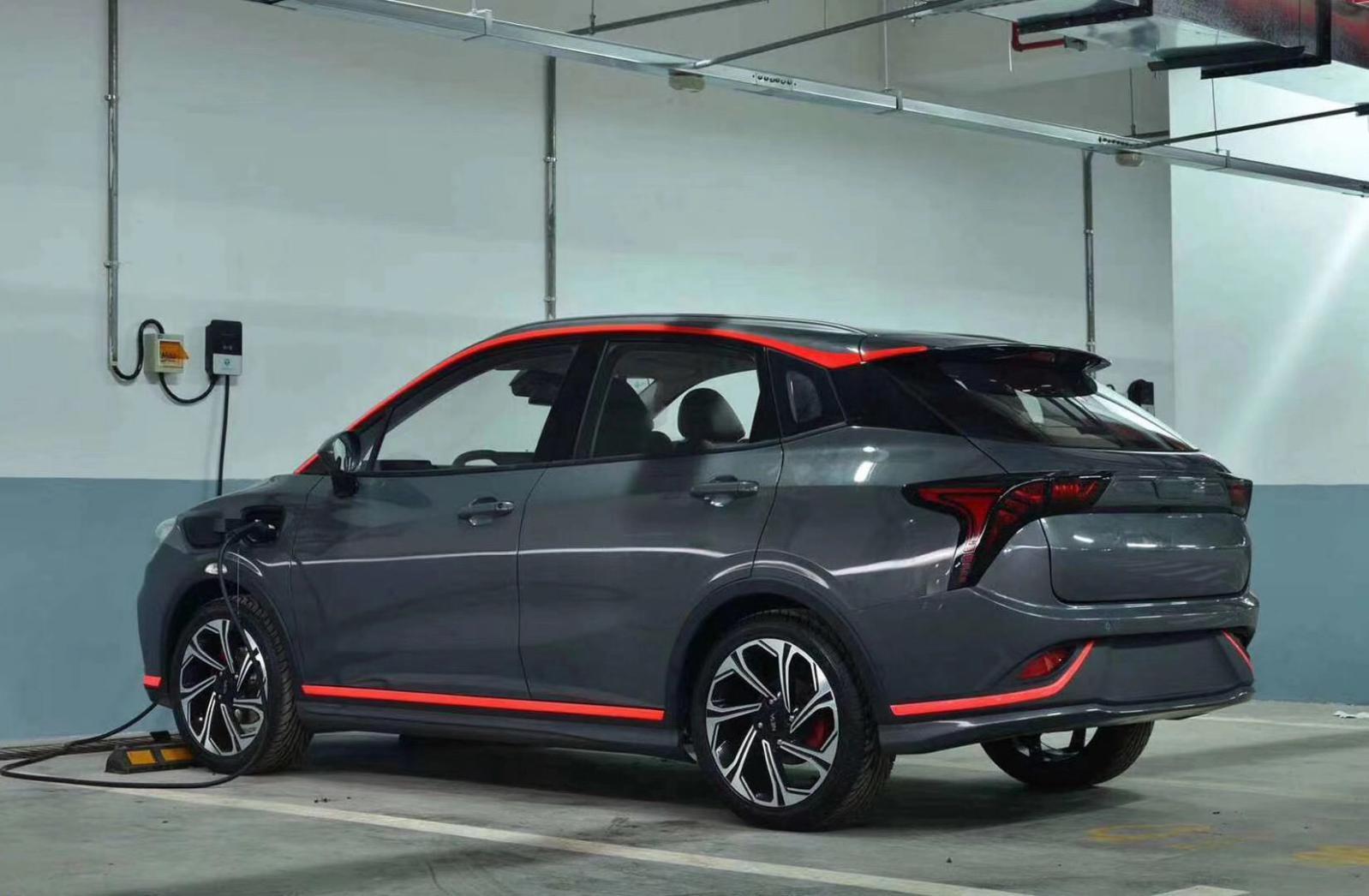 哪吒汽车第三款车型实车曝光,预计四季度上市
