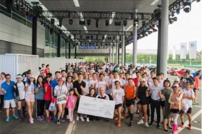 保时捷911全擎赛道跑助力中国偏远地区儿童教育