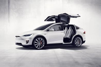 姗姗来迟的Model X,遇见「特斯拉获批进入北京市新能源汽车摇号目录」的消息
