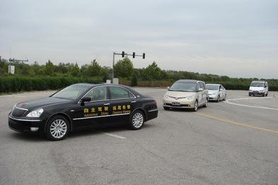 这所大学研制了中国首辆自动驾驶汽车,但这还不是全部