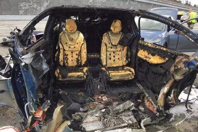 特斯拉爆了,奔驰却没爆:电池安全与里程焦虑背后的致命联系