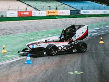 视频 | 赛前失利,这个队伍如何拿下方程式学生无人驾驶赛车冠军?