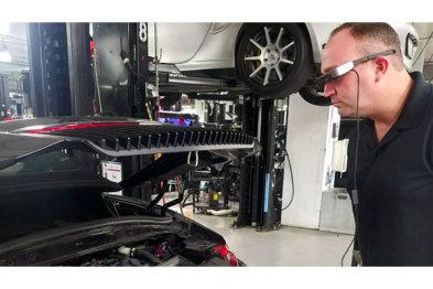 """保時捷售后推""""增強現實""""技術,修車使用智能眼鏡"""
