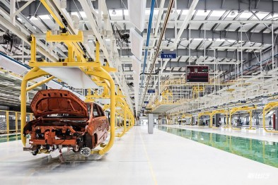实探合众新能源桐乡工厂:AI 智能化+虚拟云端平台定制