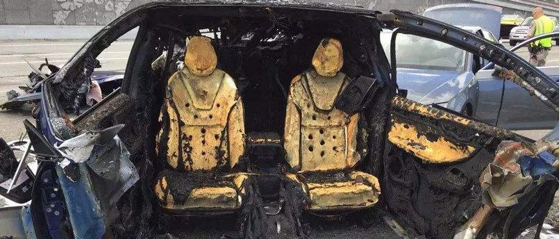 特斯拉爆了,奔驰却没爆:电池安全与里?#25506;?#34385;背后的致命联系
