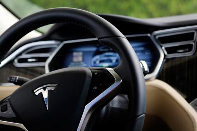特斯拉公布Autopilot升?#26029;?#33410;,雷达将成为主要传感器