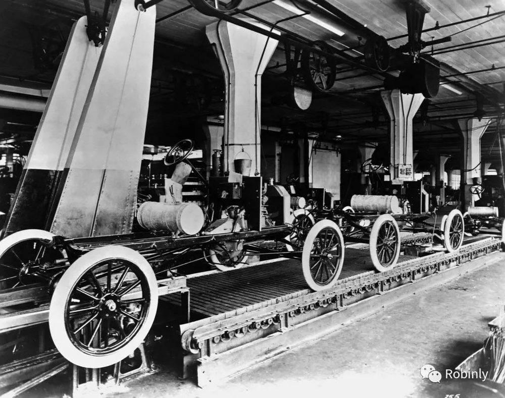 """福特""""T""""型车生产线"""