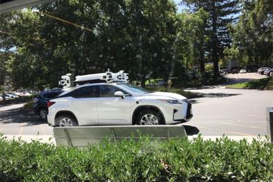 视频 | 我们近距离地看了一下苹果神秘的自动驾驶车