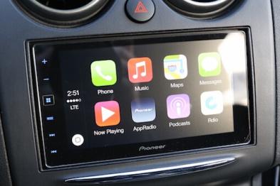 先锋推后装车机AppRadio 4 ,支持 CarPlay