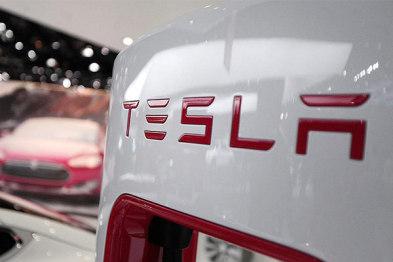 特斯拉2015年全球销量50580辆,开始交付Model X