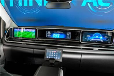 采埃孚佛吉亚合作研发L4级自动驾驶概念舱,左右驾驶位可灵活切换