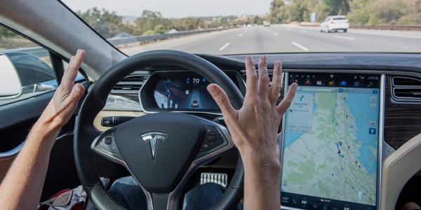 特斯拉Tesla Autopilot自动驾驶