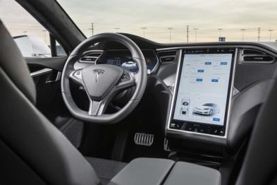 """特斯拉Autopilot 2.0重大更新背后,不仅马斯克一个""""汽车疯子"""""""