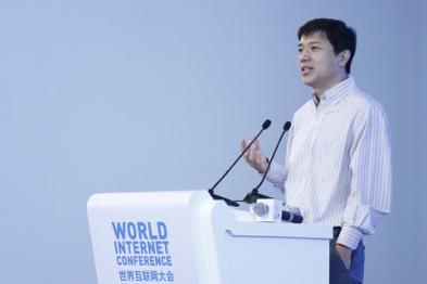 李彦宏:无人车是带轮子的电脑