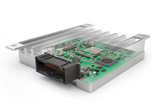 辅助驾驶与自动化驾驶控制单元(ADCU)是一款车载中央计算机,承载复杂环境模型的平台