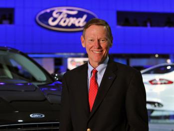 艾伦·穆拉利: 跨界CEO大刀阔斧改革挽救福特,用两个品牌征服世界