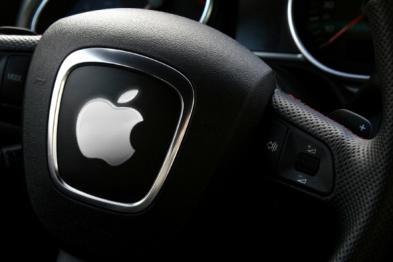 """首个搭载""""Siri Eyes Free""""的车?#32479;?#28809;(ps:中国买得到哦)"""