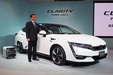 本田燃料电池车Clarity上市了,但是你买不着