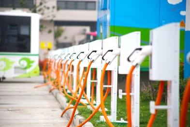 慢充 vs 快充?2018年纯电动汽车充电技术发展路径解析