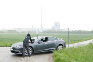 特斯拉被曝GPS严重漏洞,自动驾驶到底是否安全?