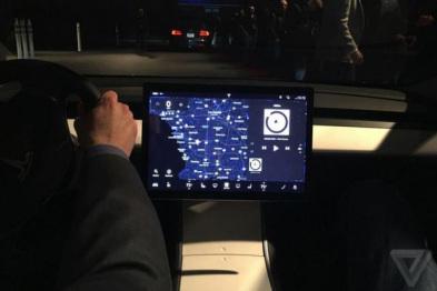 奥迪TT和特斯拉Model 3的暗示:未来的汽车仪表板长啥样?