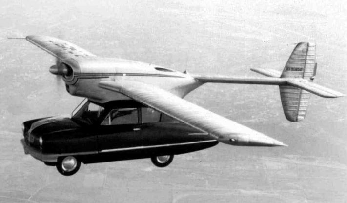 Convair 118汽车模型,这是一辆顶部装有飞机的汽车。照片:Alamy Stock