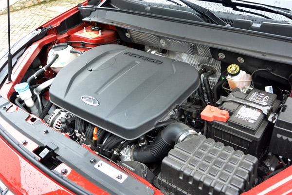 奇瑞瑞虎7车型的2.0L发动机