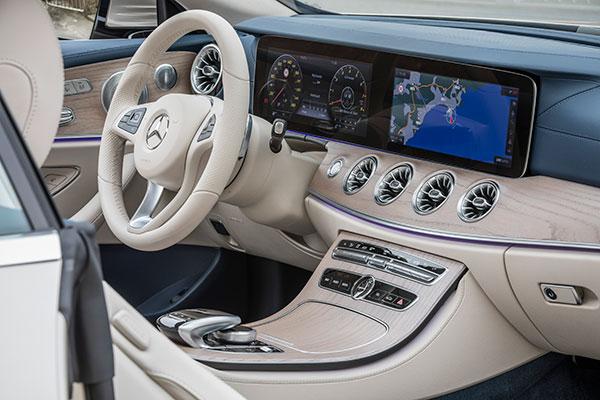 奔驰E300 Coupe内饰