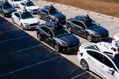 加州启动完全自动驾驶汽车上路测试,开始发放许可证