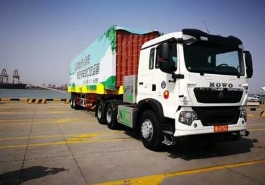 中国重汽无人驾驶电动集卡正式批量投入天津港运营