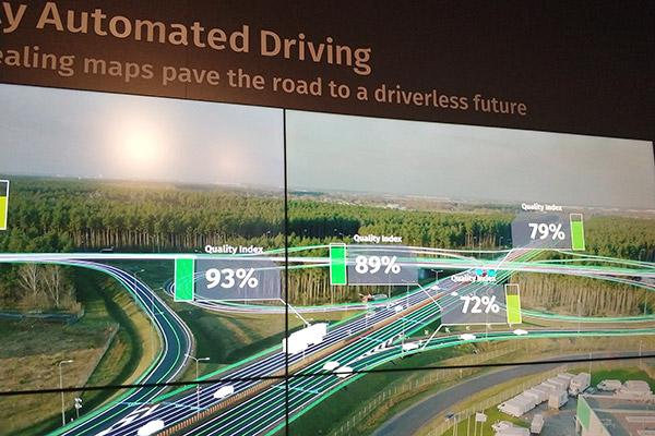Here展示未来汽车众包更新地图