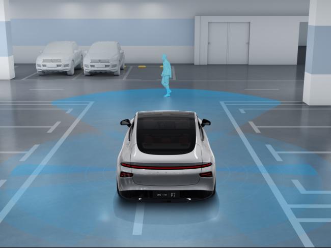 小鹏P7迎OTA 2.6.0小范围公测,开放停车场记忆泊车功能