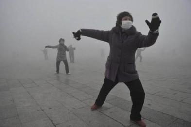 """PM2.5频""""爆表""""背后站着谁? 1.25亿辆汽车!"""