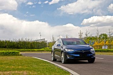 特斯拉Model X国内亮相,产能达750台/周