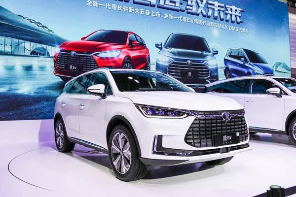 广州车展  在比亚迪汽车销售有限公司总经理赵长江看来,目前的市场