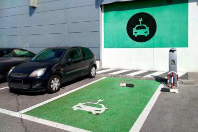 為促低碳移動出行,德國增加電動車公共充電站