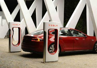 特斯拉2018年以创纪录速度部署超级充电网络