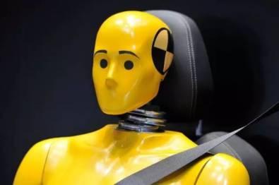 发生交通事故时,胖纸和瘦子谁更容易受伤和死亡?