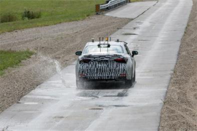 """丰田在坑洼道路耐久性测试启用""""自动驾驶""""系统"""