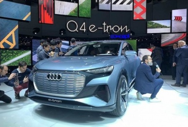 """奥迪Q4 e-tron全球首发 或将落户""""上汽奥迪"""" 2020年底量产"""