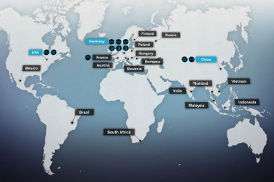 """奔驰""""亮剑"""",全球6个电动车工厂和5个电池工厂将从明年陆续投产"""
