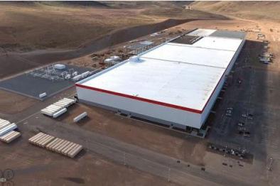 特斯拉Gigafactory超级工厂开始批量生产电池:与松下合作