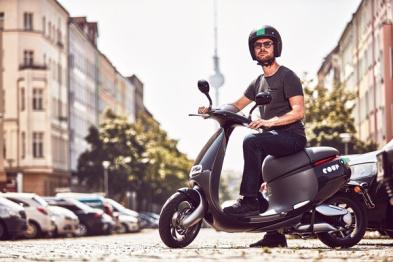 Gogoro这辆时髦拉风电动小摩托 现在走上了柏林街头