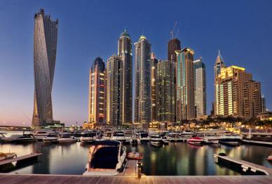 迪拜推智能车牌照,能在车祸后报警
