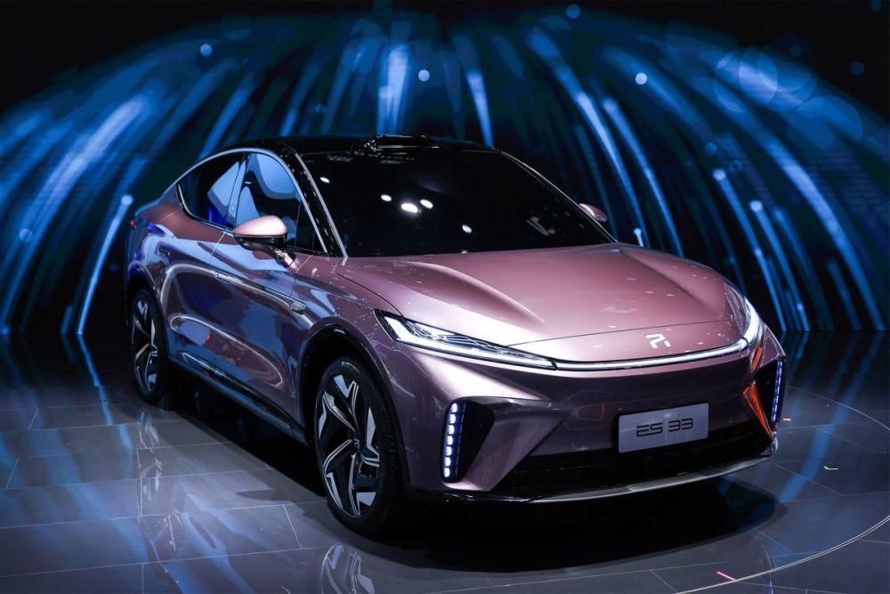 2021成都车展丨智能化才是它的杀手锏,R汽车ES33量产版首秀