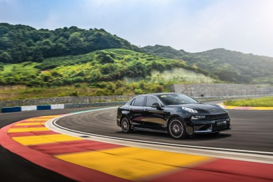 领潮运动轿车-领克03将于10月19日动感上市