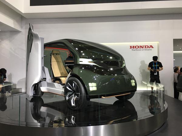"""具备""""AI情感引擎""""的Honda Neuv电动小型概念车"""