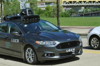 自动驾驶车撞人致死,Uber暂停测试正配合警方调查